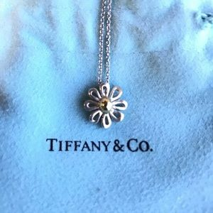 🌻Tiffany & Co. Sterling Silver Sunflower Necklace